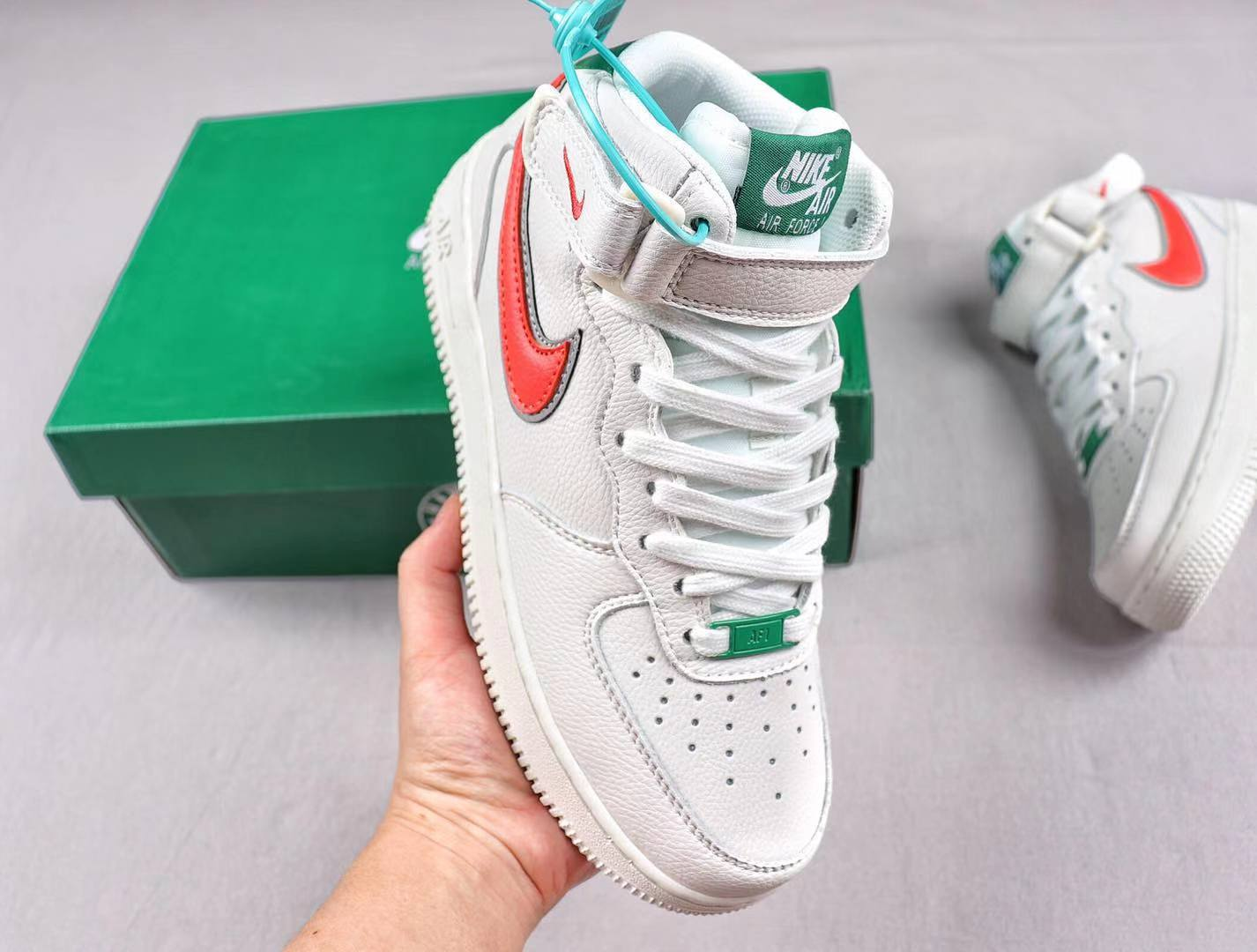 "Nike Cortez x Stranger Things ""Hawkins High School"" CJ6106-100 White/Pine Green-Orange"
