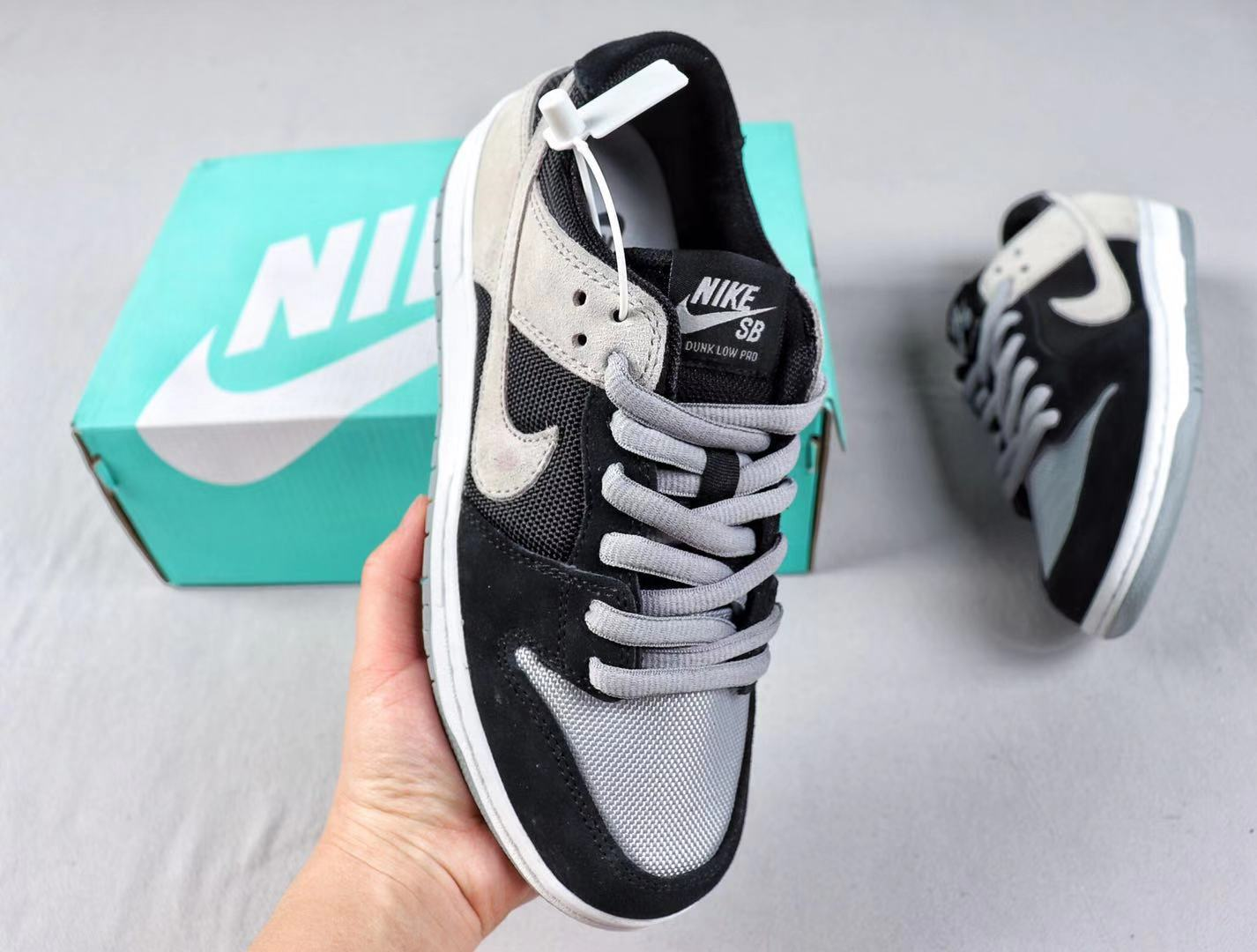 Nike SB Dunk Low Black/Wolf Grey-White Sneakers Hot Selling 854866-001