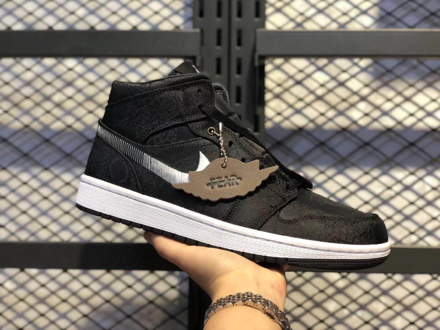 "2019 CLOT x Air Jordan 1 Mid ""Fearless"" Black/White Top Shoes In Stock"