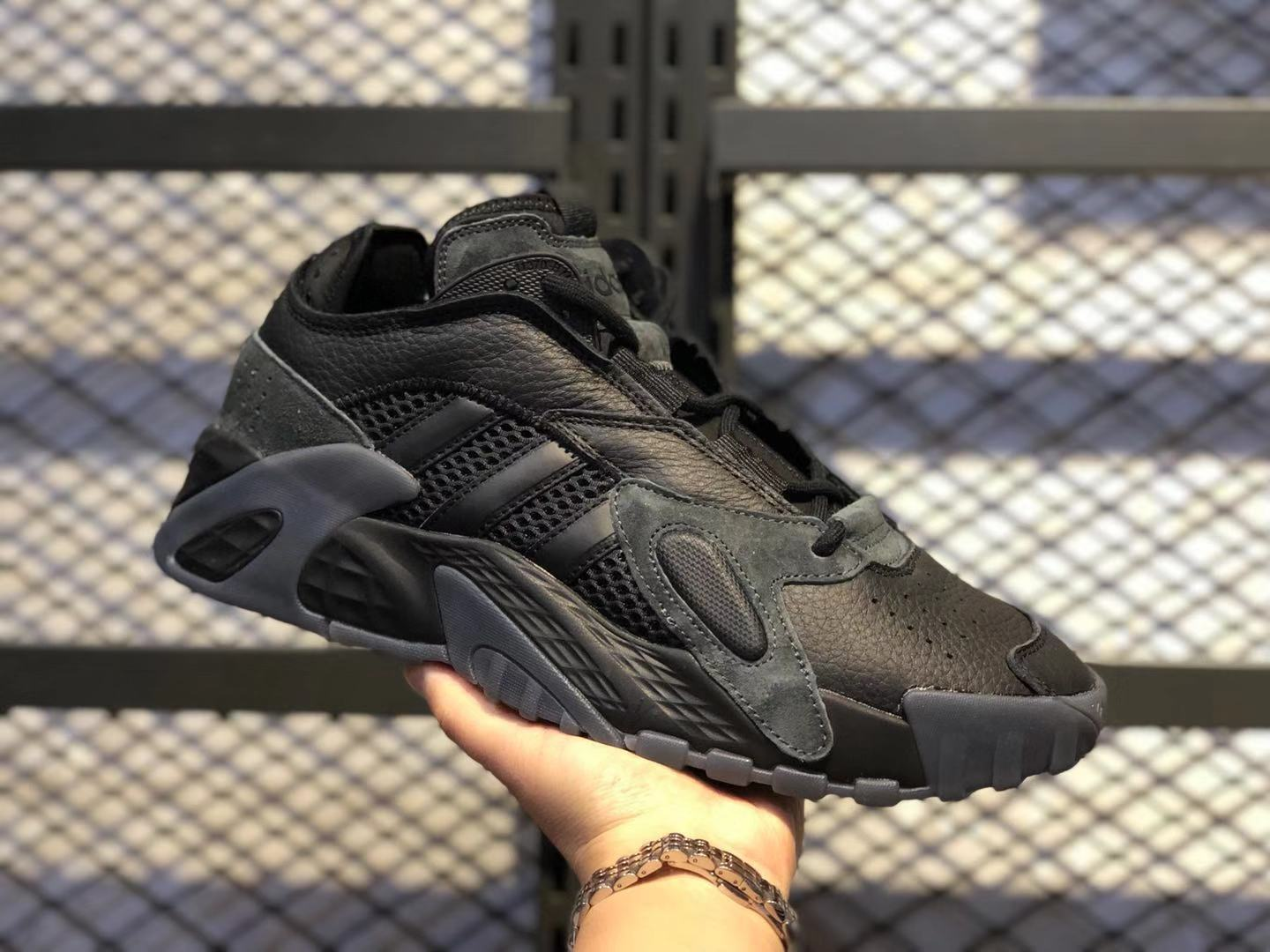Adidas Streetball Triple Black Pas Cher Athletic Sneakers Online Sale