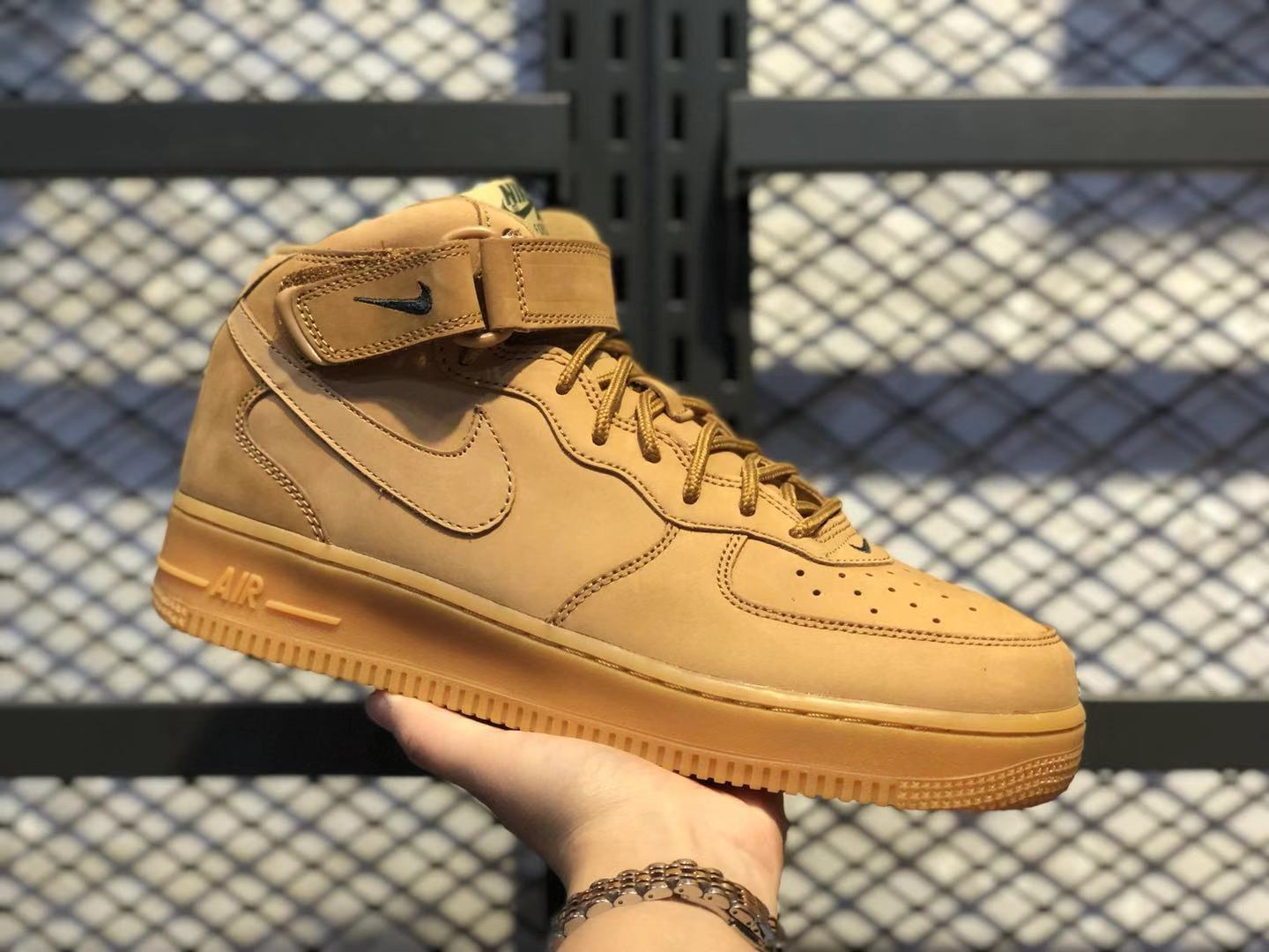 Nike Air Force 1 Mid Flax Gum/Outdoor Green-Flax Sneakers To Buy 715889-200