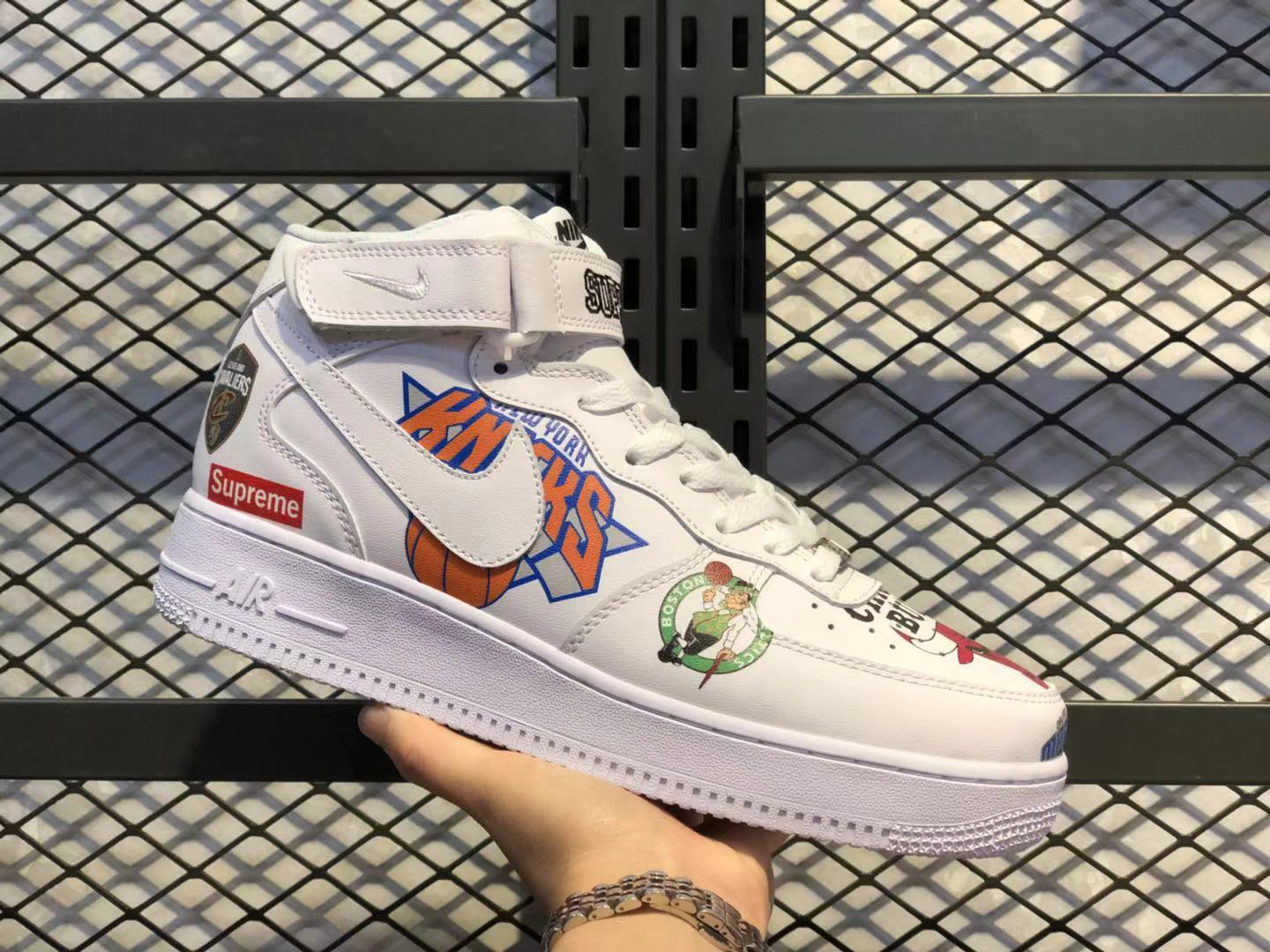 Nike Air Force 1 Mid Supreme NBA White Sneakers For Online Sale AQ8017-100