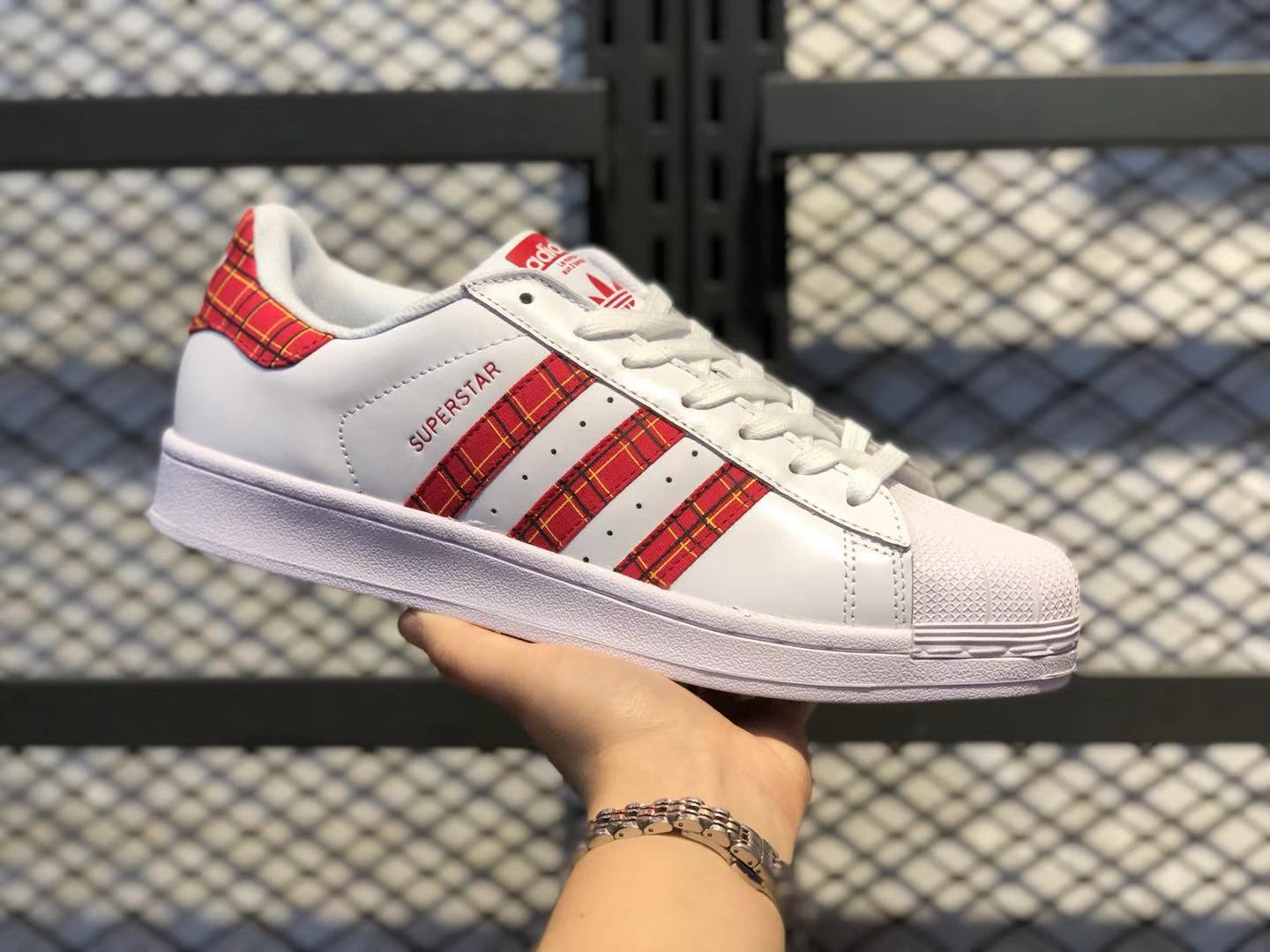 2020 New Arrival Adidas Superstar Cloud White/Scarlet-Collegiate Green FU7446