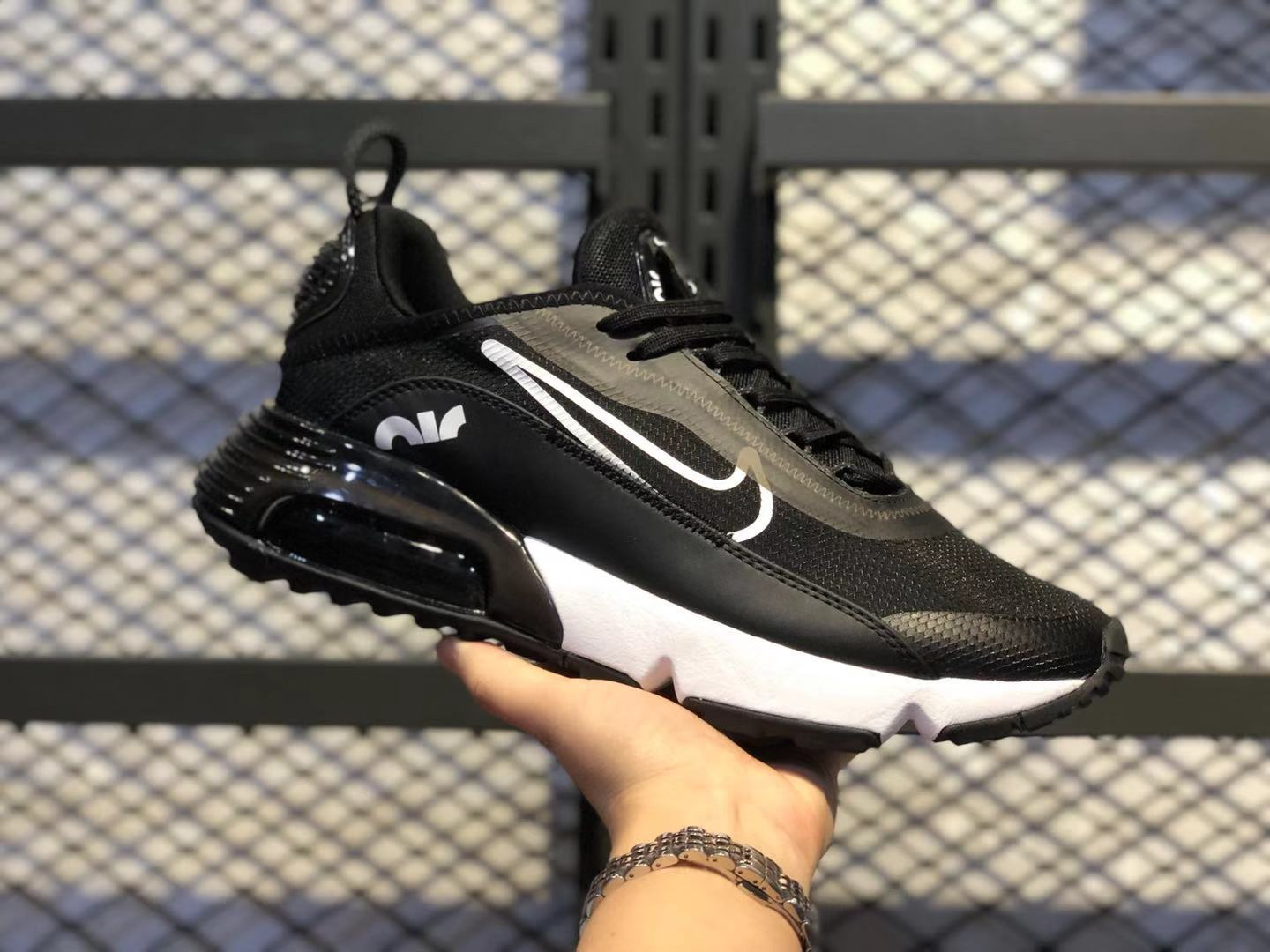Best Sell Nike Air Max Vapormax 2090 Black/White Athletic Sneakers CQ7630-001