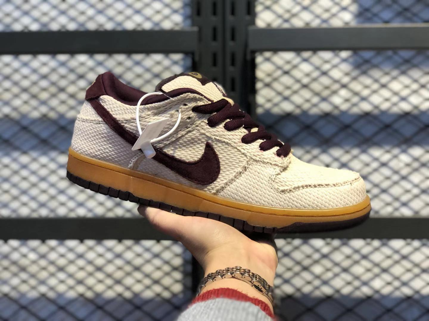 """Best Sell Nike SB Dunk Low """"Red Hemp"""" Jersey Gold/Red Mahogany 304292-761"""