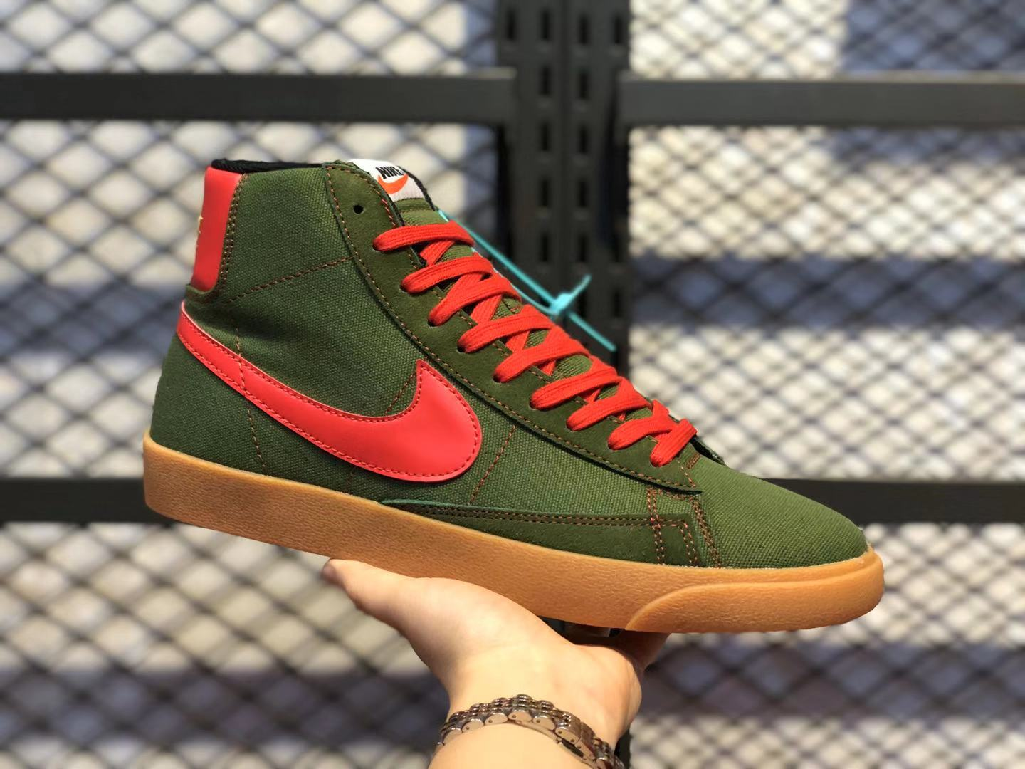 2020 Buy Nike SB Zoom Blazer Mid QS Army Green/Red JL6806-400 Casual Sneakers