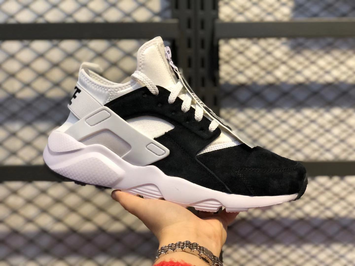 Nike Air Huarache Core Black/White Athletic Sneakers 829669-555 For Buy