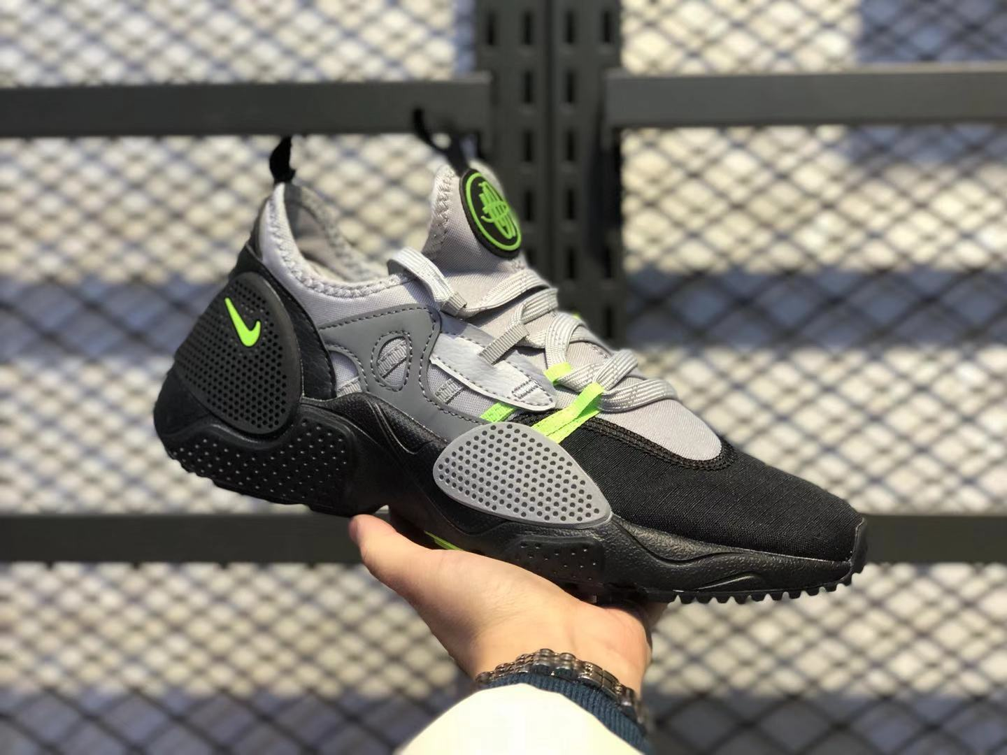Nike Air Huarache E.D.G.E.Black/Wolf Grey-Neon Green AO1697-006