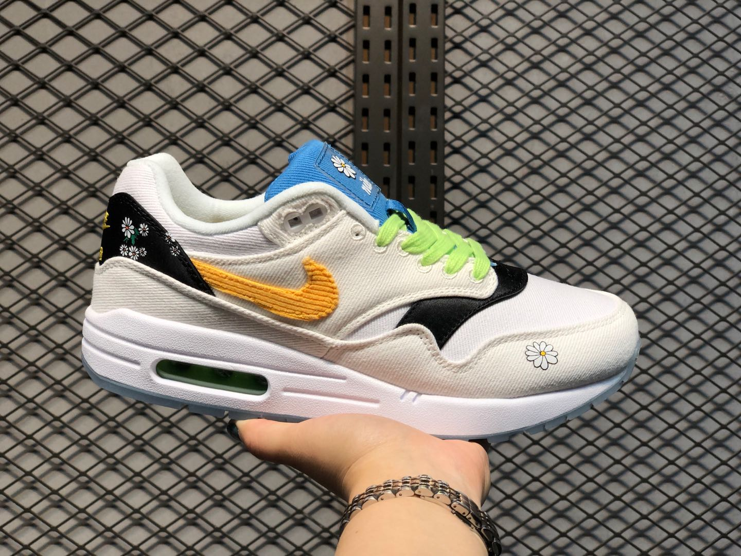 "Nike Wmns Air Max 1 ""Daisy"" White/Black-Yellow CW6031-100 Hot Sale"