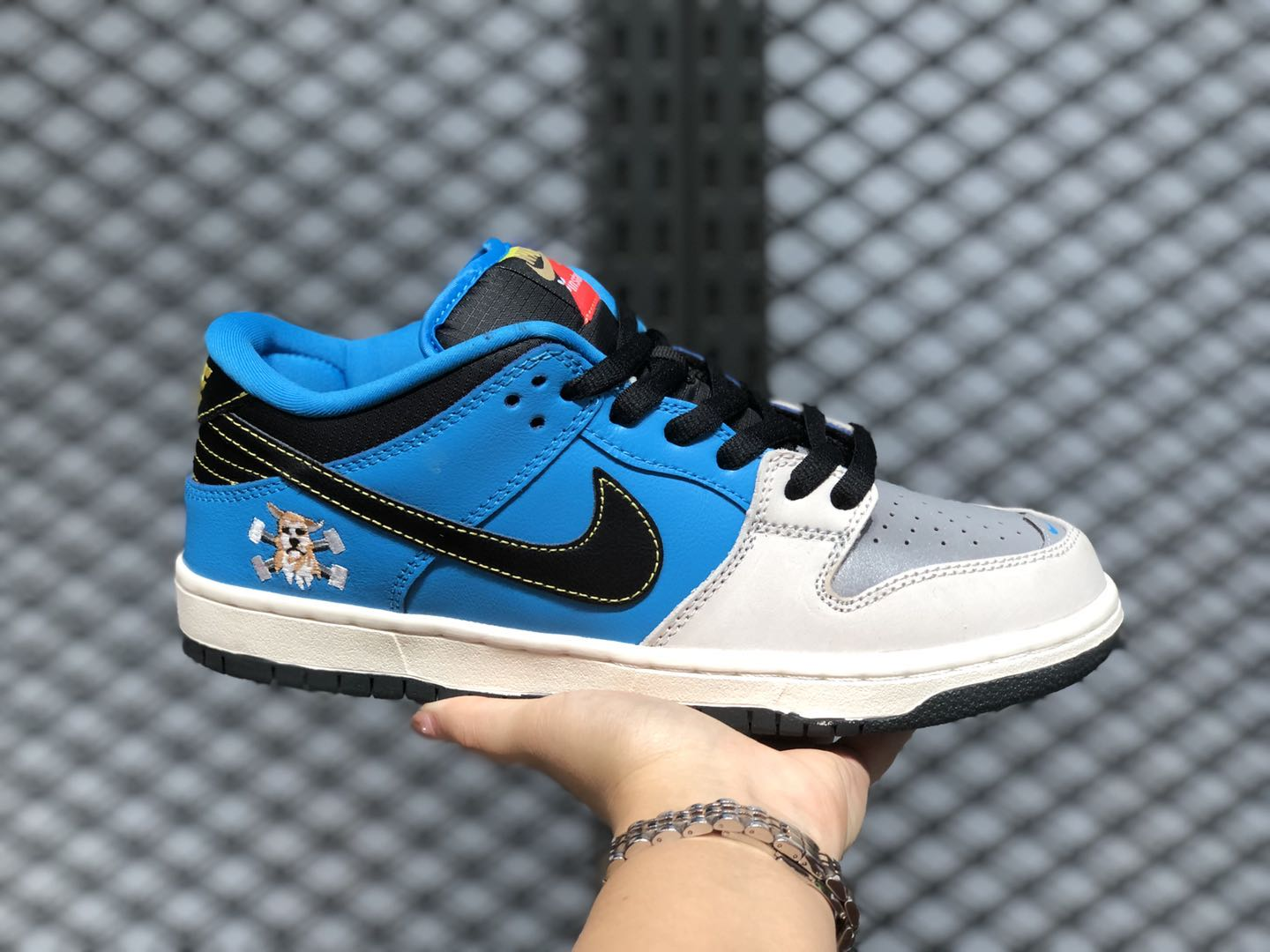 Instant Skateboards x Nike SB Dunk Low Trainers For Sale CZ5128-400