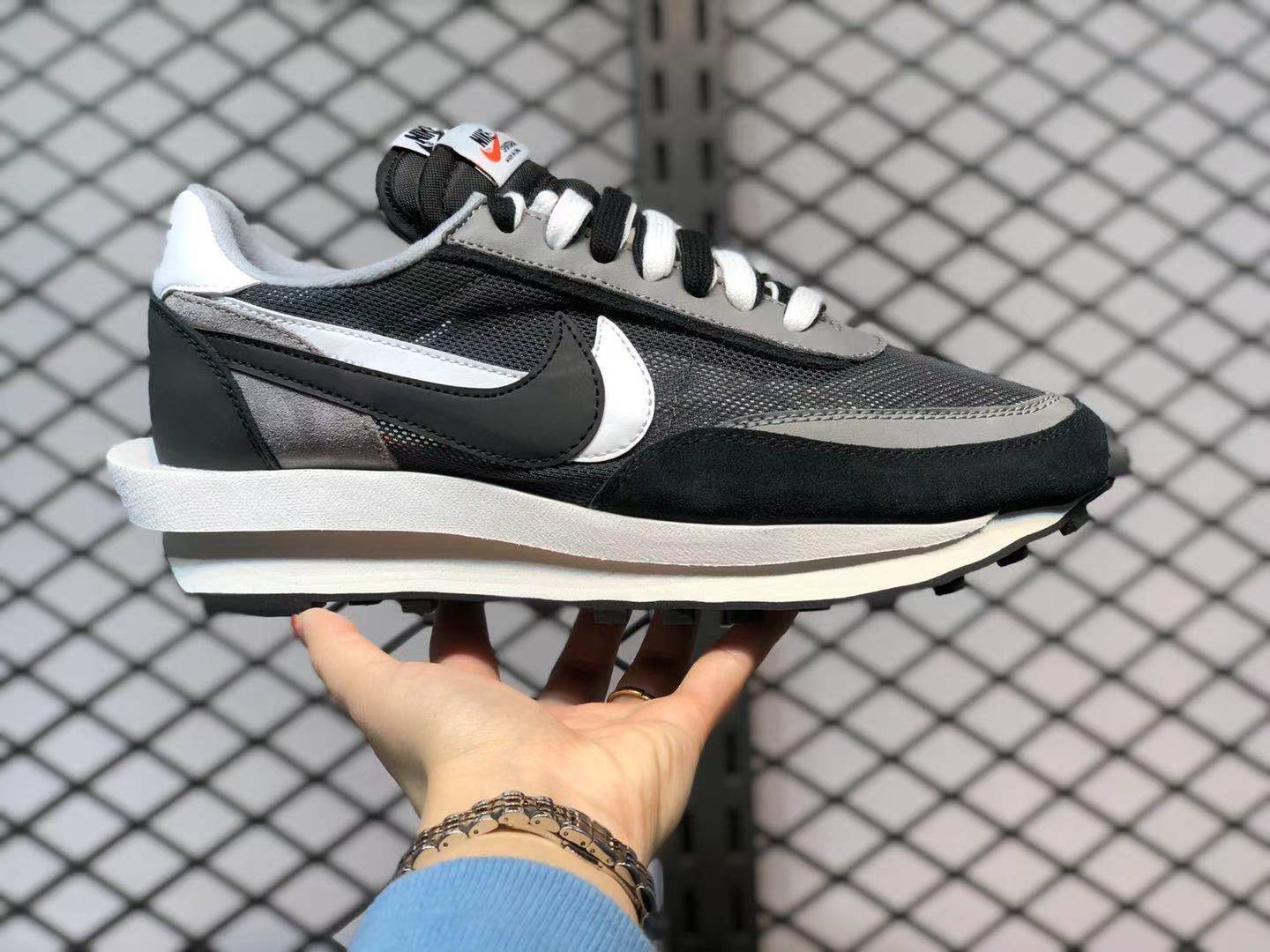 Nike LDWAFFLE Sacai Dark Grey BV0073-001 On Sale