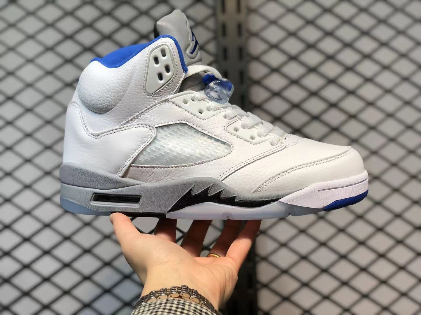 Air Jordan 5 Retro White Stealth-Black-Hyper Royal DD0587-140 For Sale