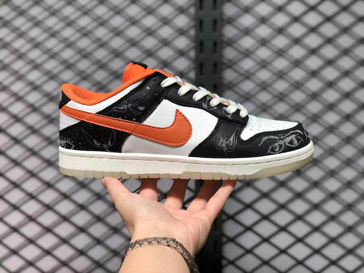 2021 Nike Dunk Low Halloween DD3357-100 Outlet